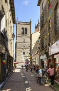 Cantal - Saint-Flour - La rue Marchande.