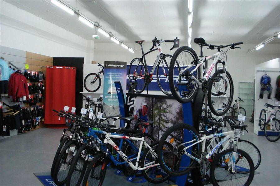 Cantal Cycles-1