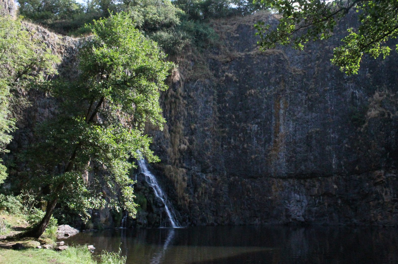Waterfall and Castle of Sailhant-4
