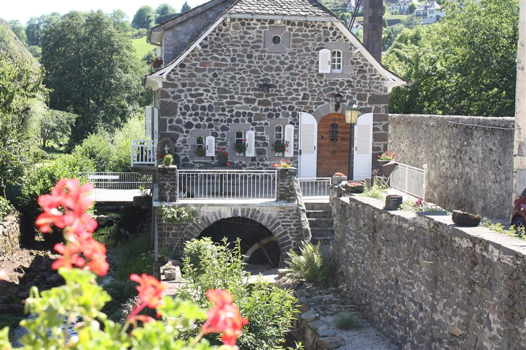 Pierrefort, a mountain market town-3