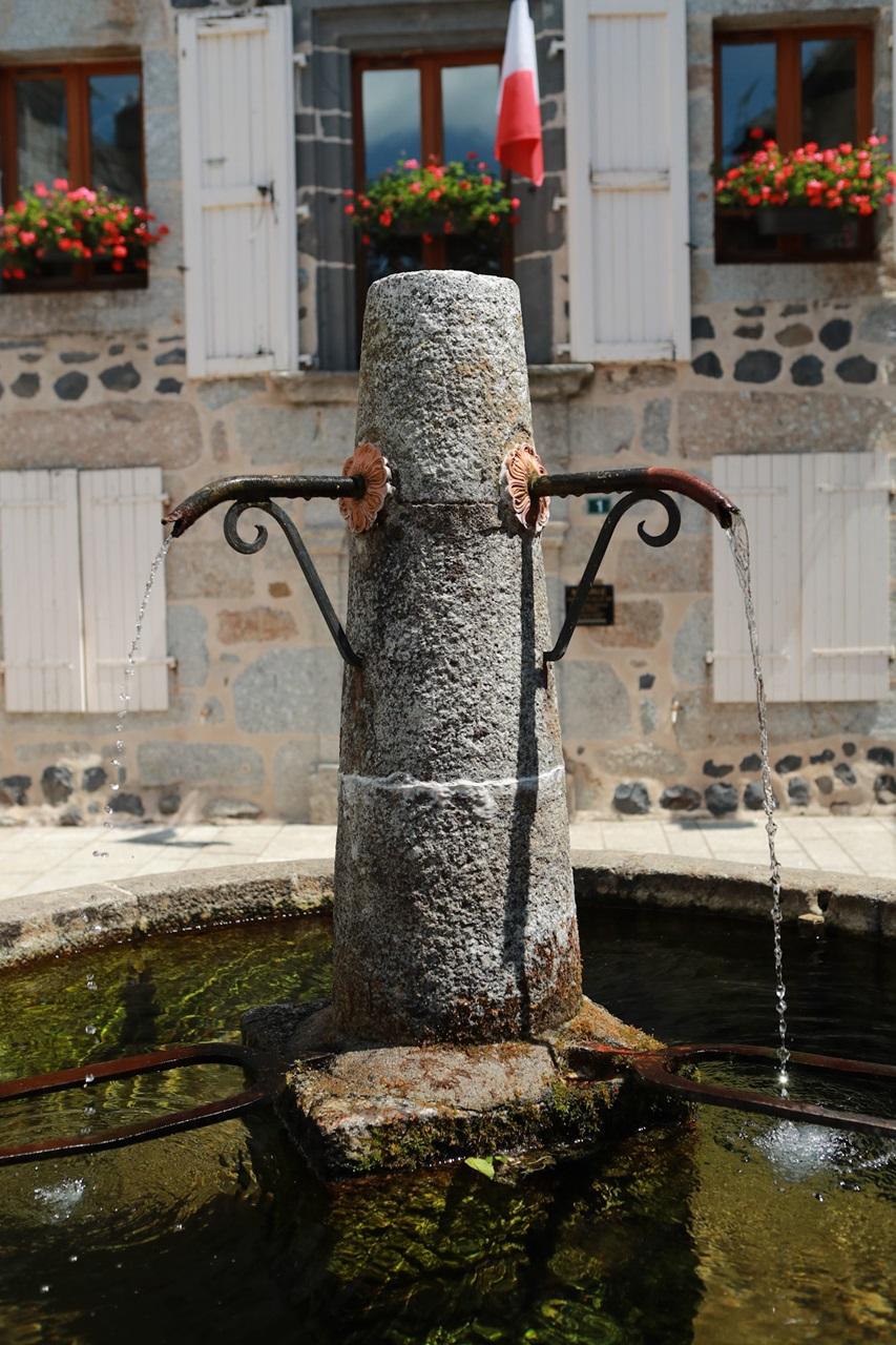 Saint-Urcize, beautiful heritage in Aubrac-5