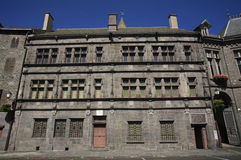 St-Flour, historische en middeleeuwse stad-5