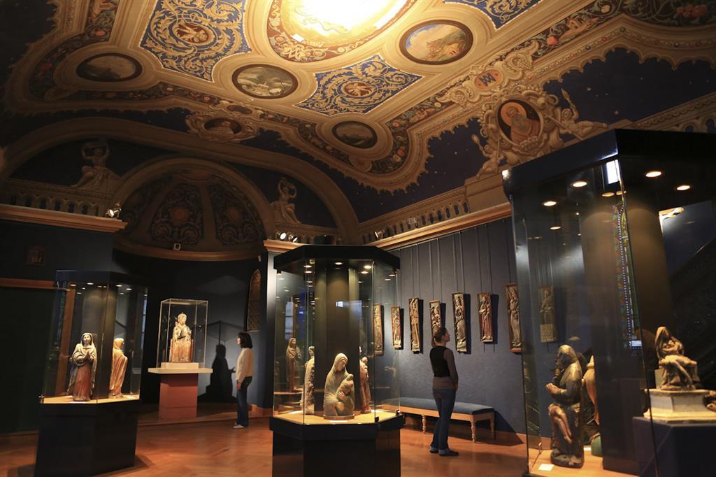 Museum van de Haute-Auvergne, bisschoppelijk paleis-1