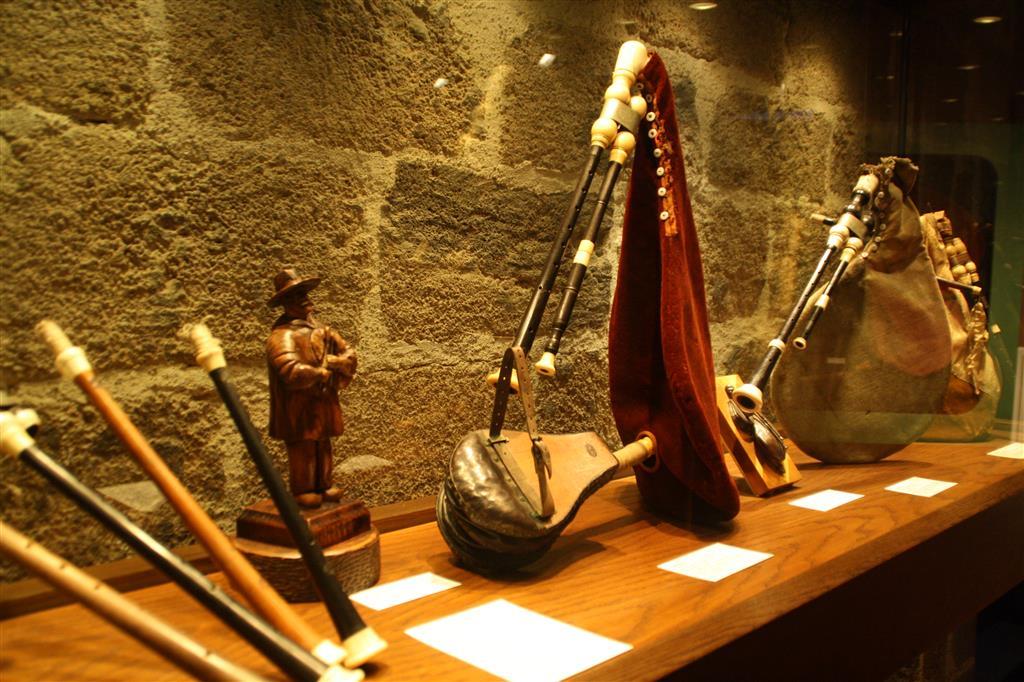 Museum van de Haute-Auvergne, bisschoppelijk paleis-7