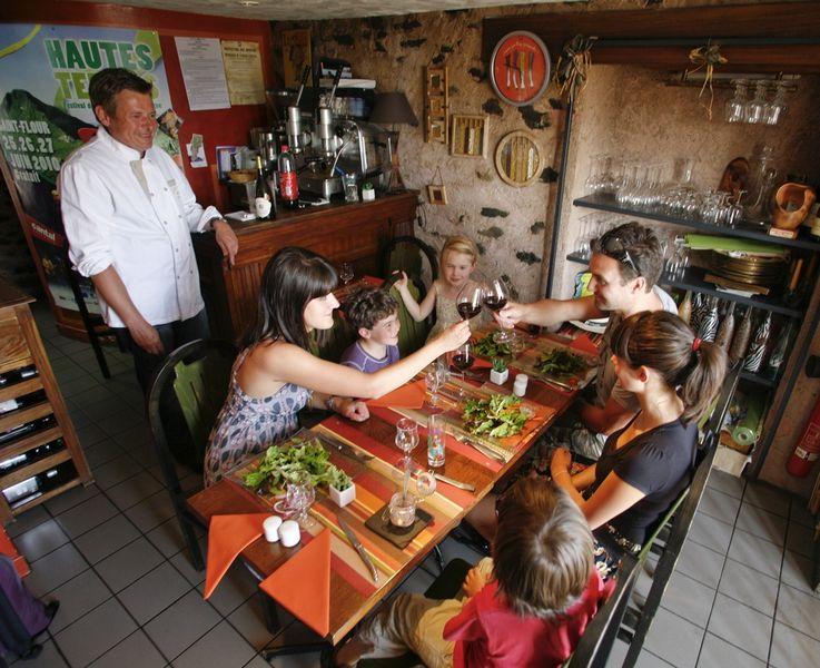 Chez Geneviève et bar à vin le Zag-1