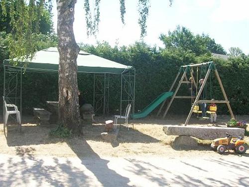 Chassany Josette et Gilbert, la Ferme des Deux Vallée – Camping à la ferme-3
