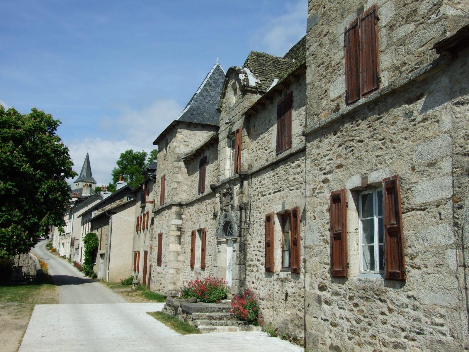 Village de Chaliers, dominant la Truyère-5
