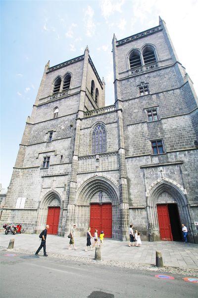 De St-Pieterskathedraal van St-Flour-1