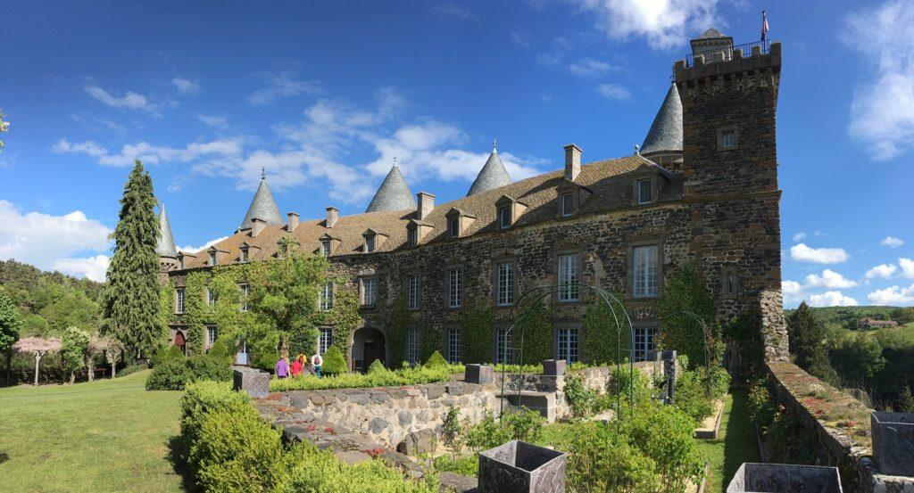 Château du Sailhant - roseraie - Cantal Auvergne