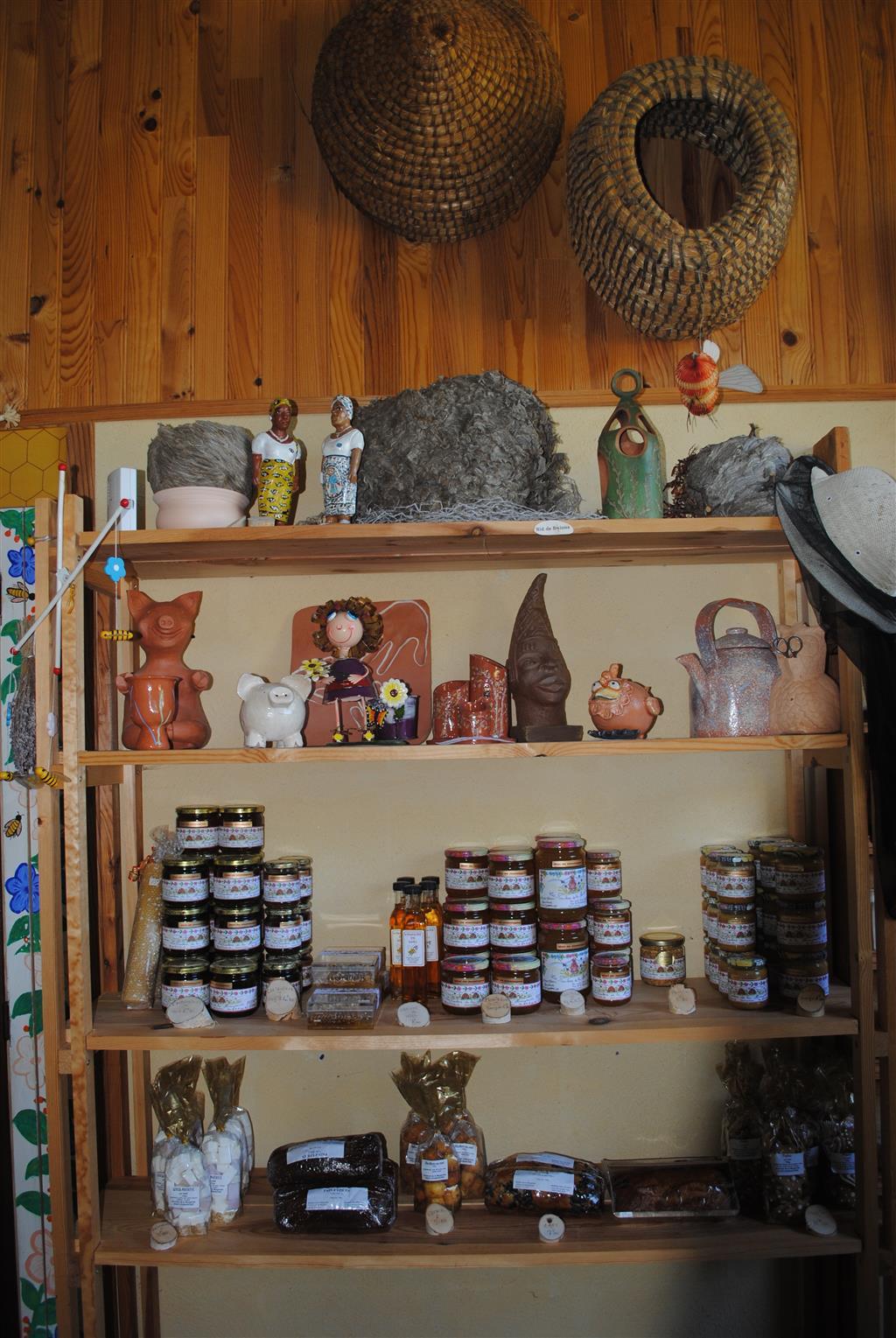 La Ferme aux abeilles – Ruchers de la Margeride-2