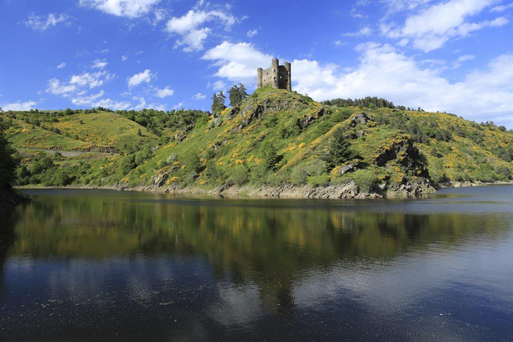 Site et château d'Alleuze-1