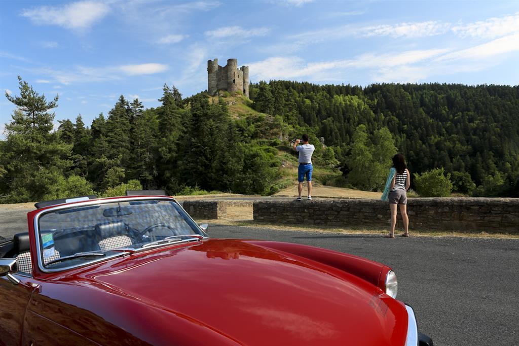 Site et château d'Alleuze-5