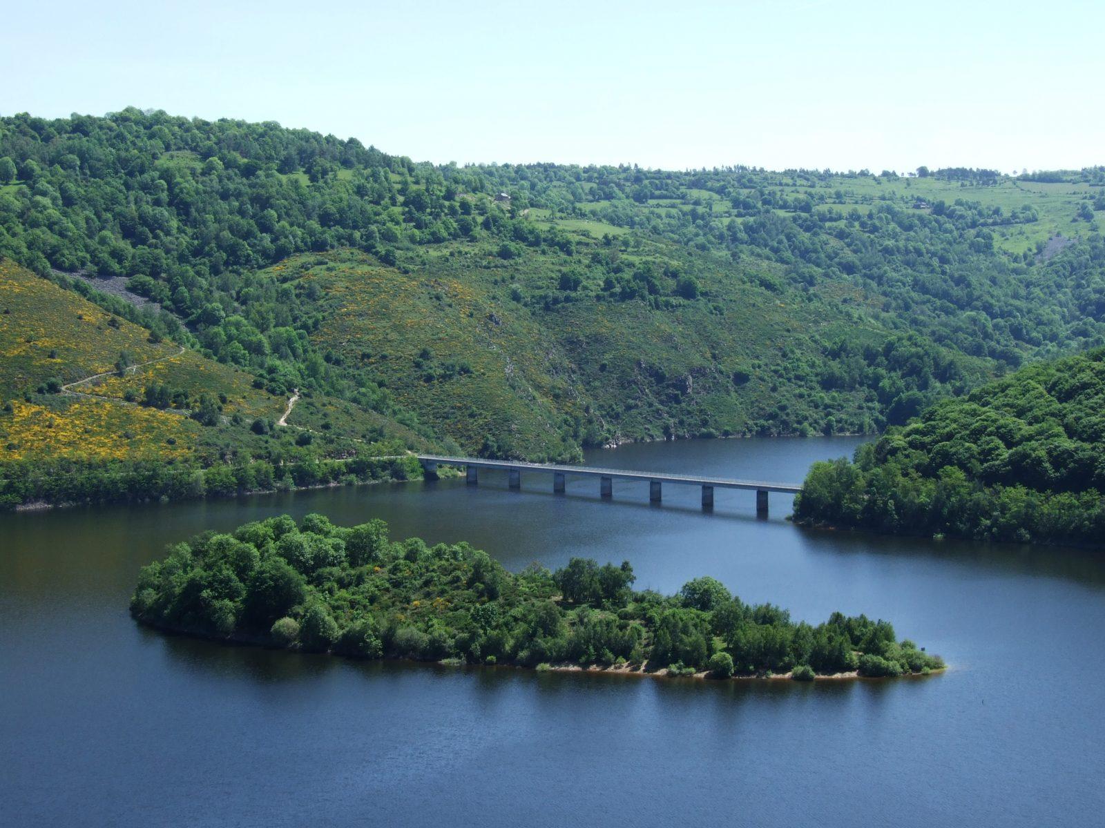 Gorges de la Truyère, lacs de Garabit-Grandval et Lanau-10