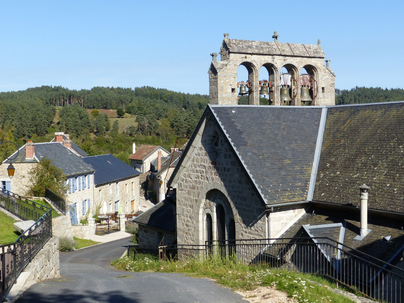 Saint-Just, village typique de Margeride-1