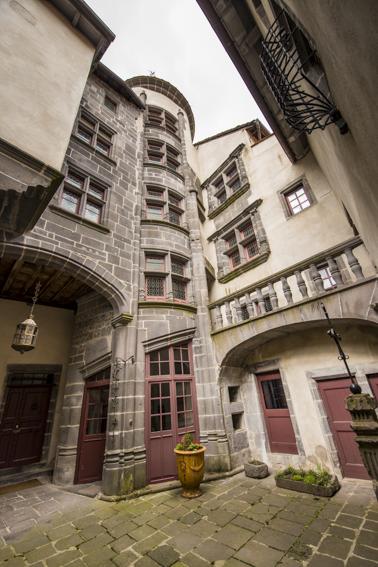 Saint-Flour, une ville d'art et d'histoire-8