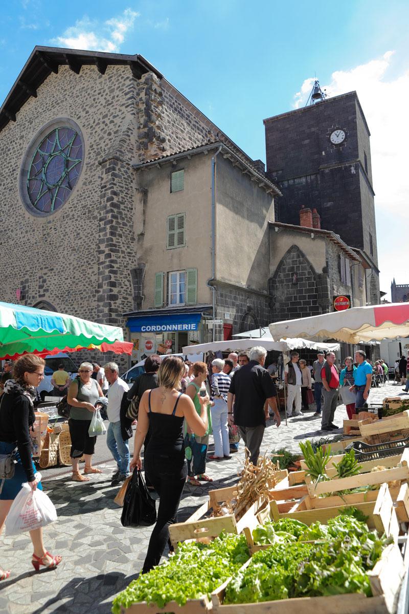 Marché traditionnel de Saint-Flour-2