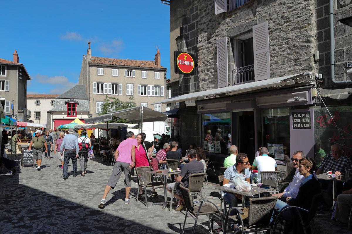 Marché traditionnel de Saint-Flour-3