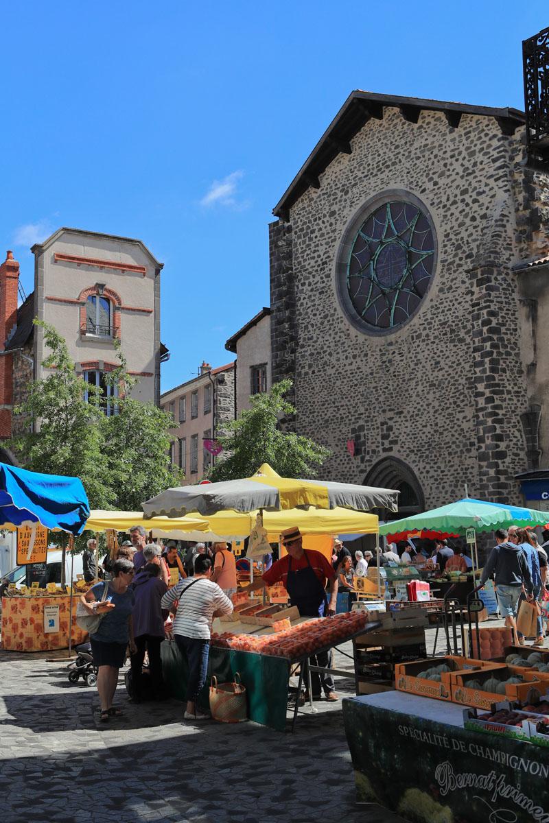 Marché traditionnel de Saint-Flour-4