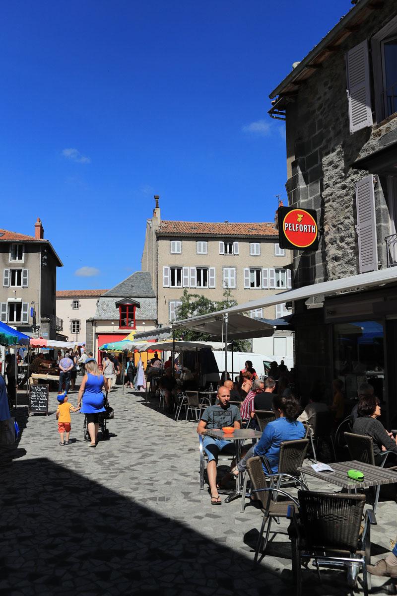 Marché traditionnel de Saint-Flour-5