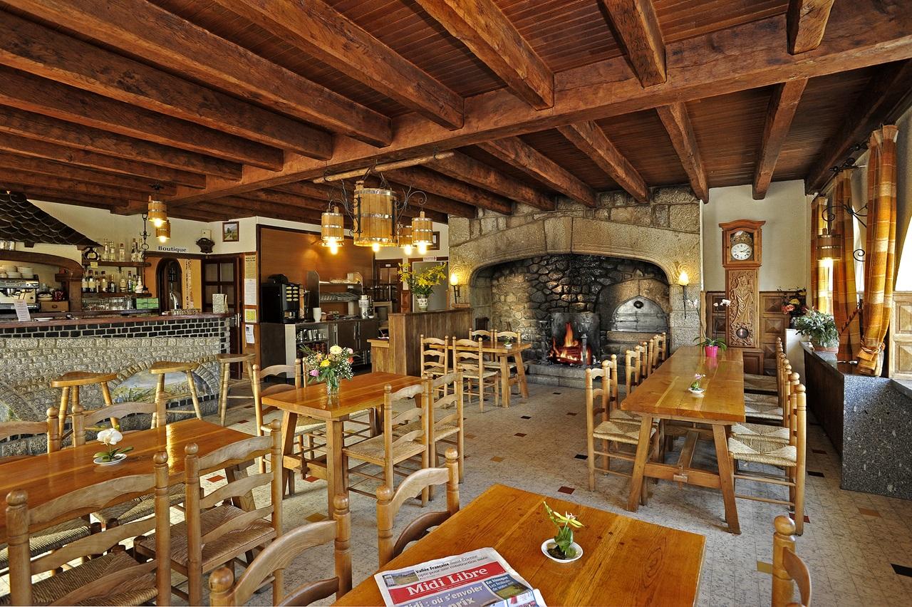 Hôtel restaurant Le Relais de l'Aubrac-17