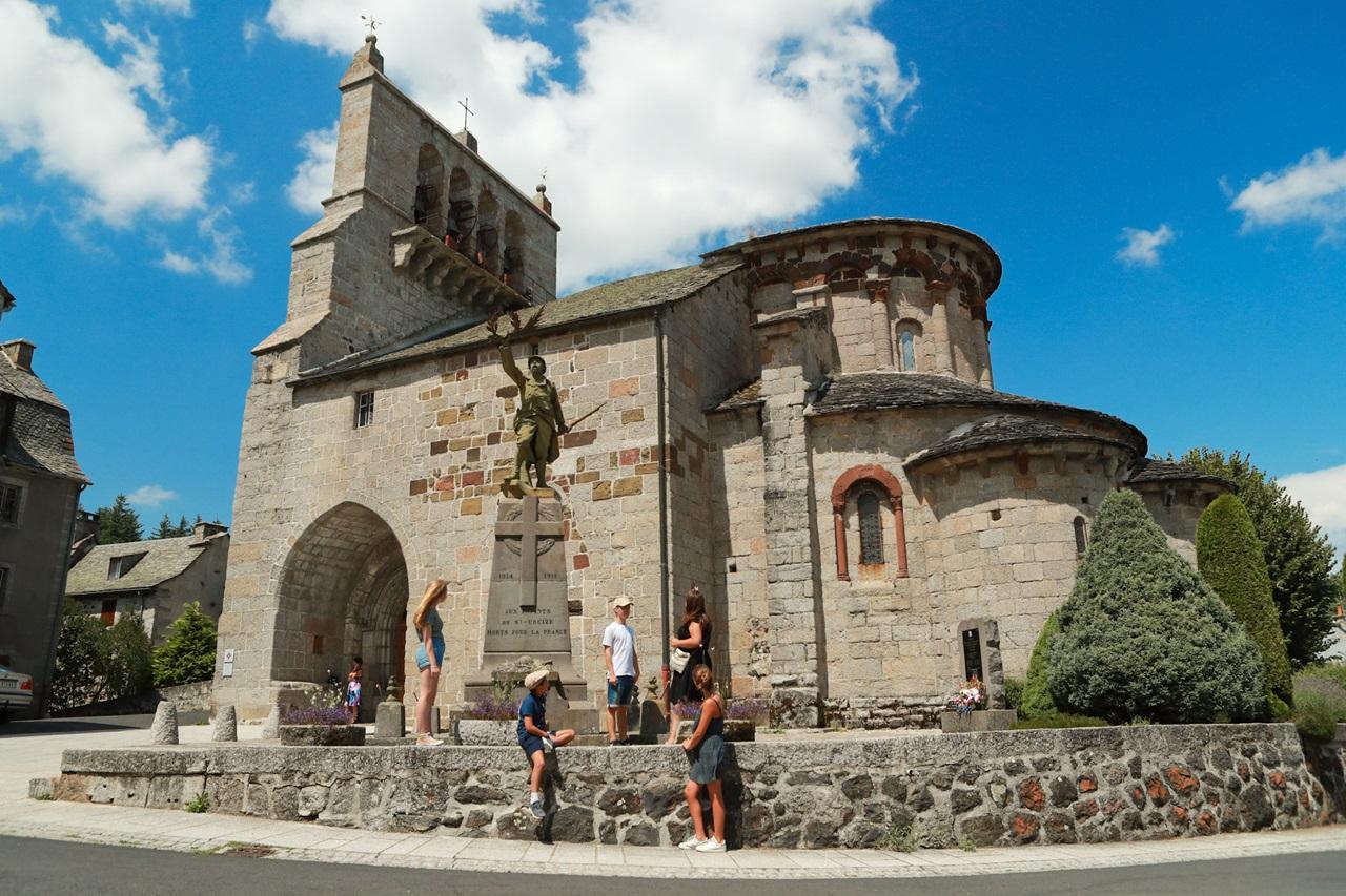Église romane Saint-Pierre – Saint-Michel, Saint-Urcize-1