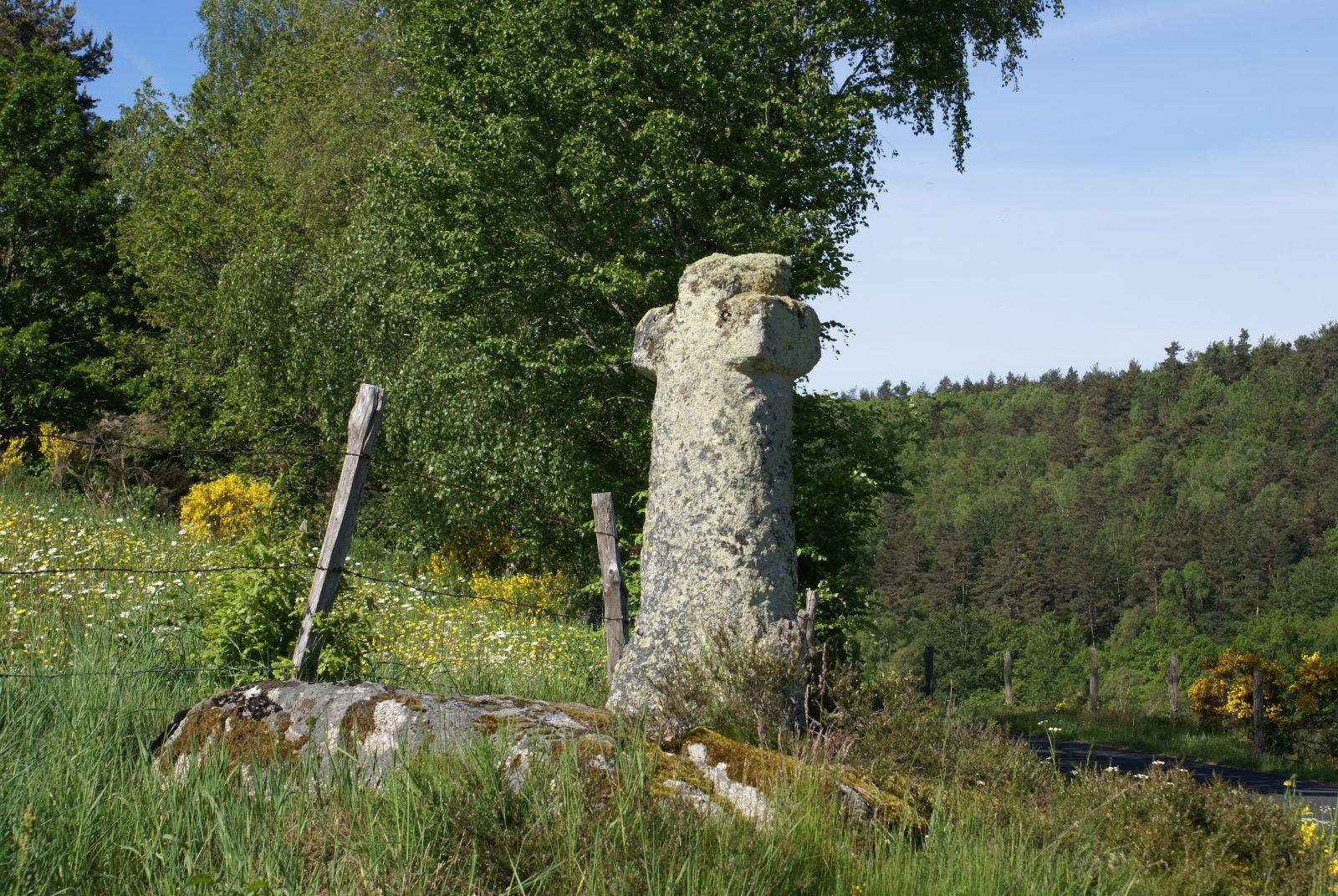 Menhir de la Baisse des Mazes-1