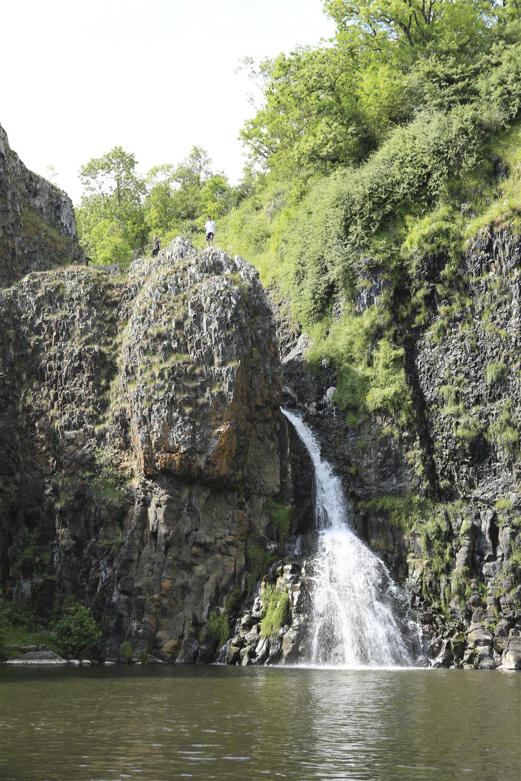L' eau, sources volcaniques-3