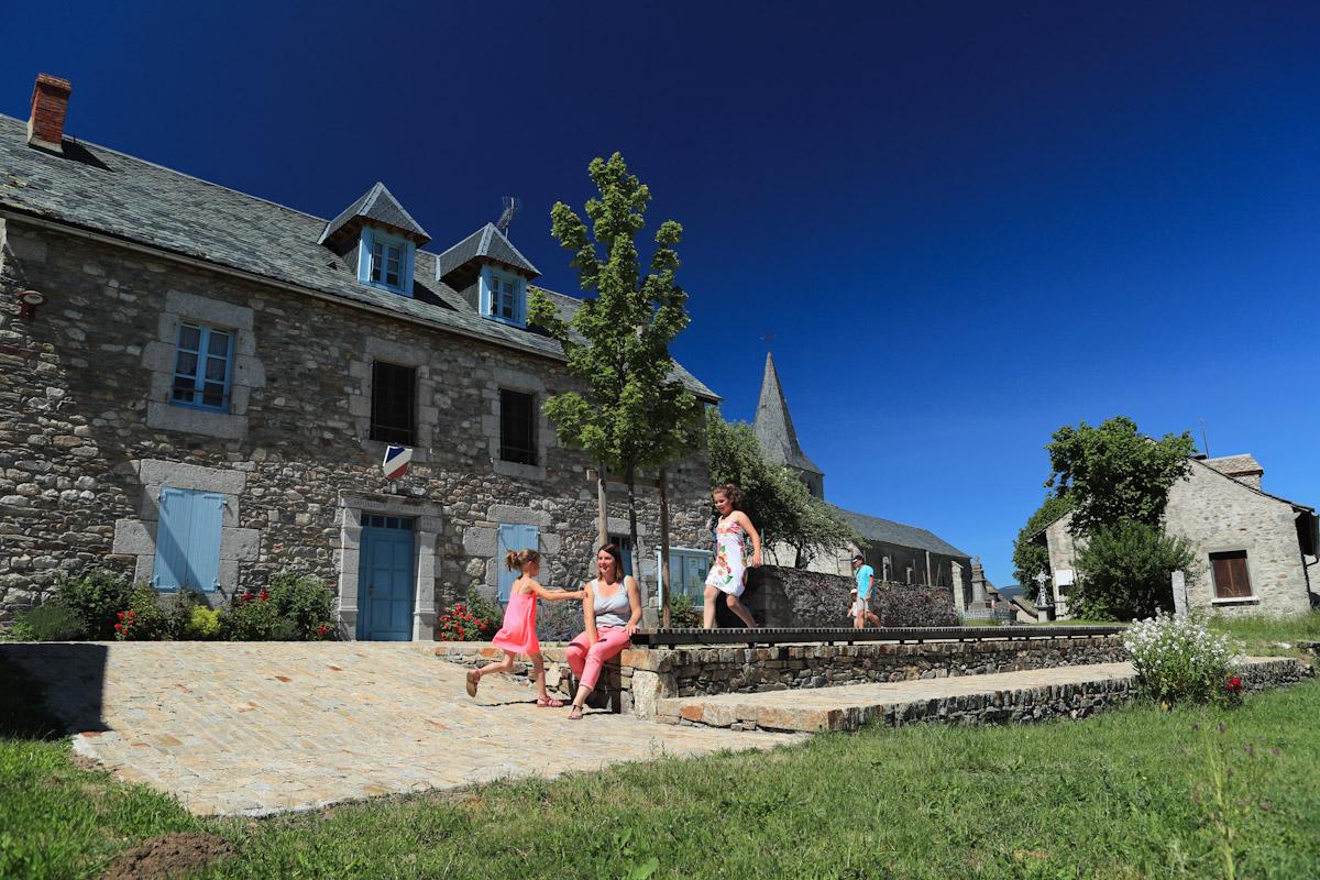 Village de Chaliers, dominant la Truyère-10